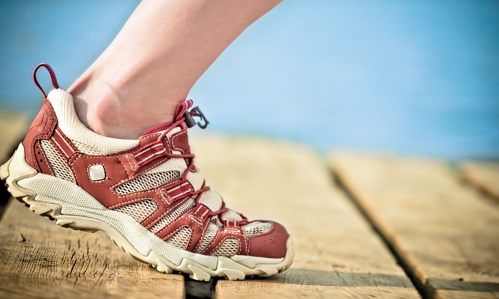 10 Best Shoes For Wide Feet [ 2020
