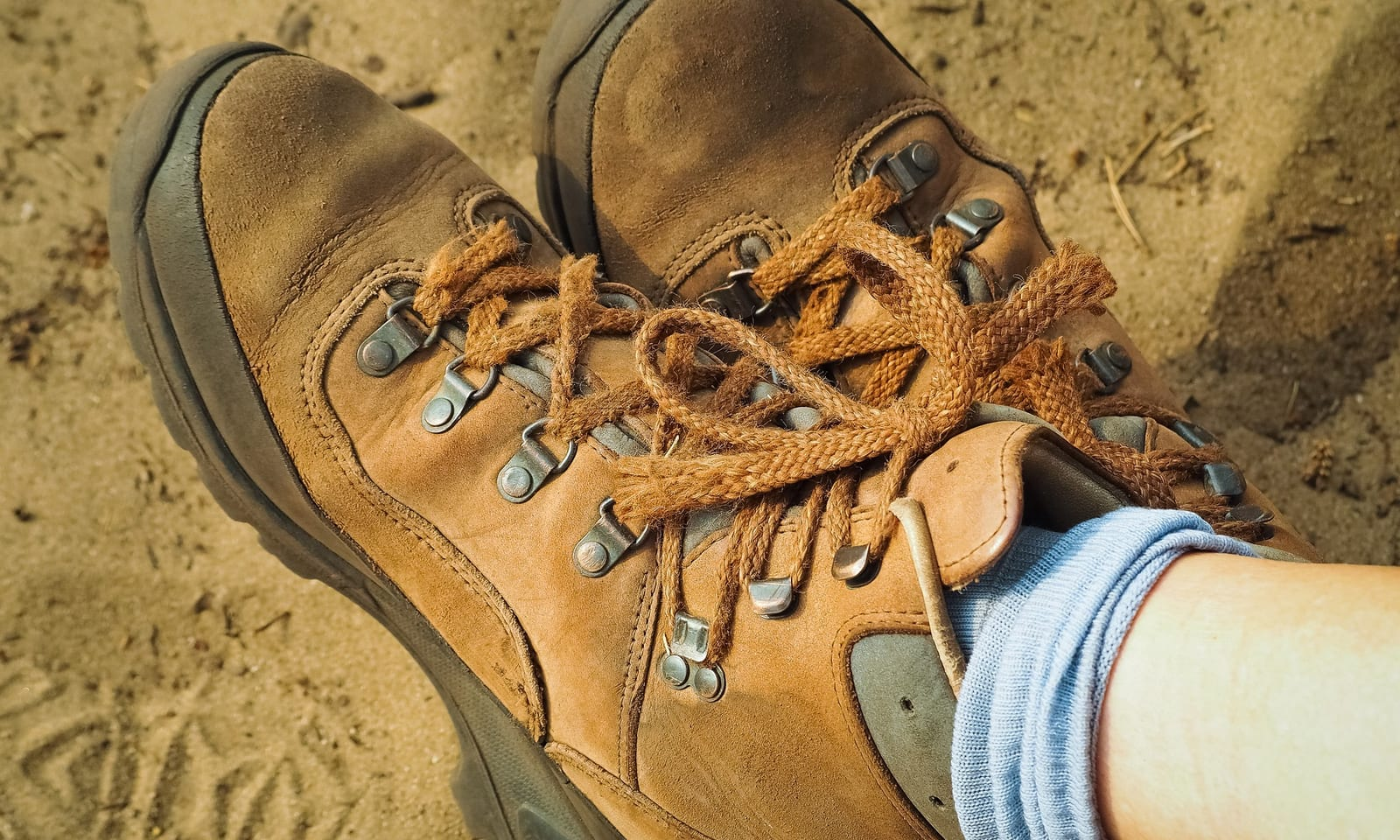 Best Hiking Boots for Wide Feet [ 2019